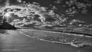 Belongi Beach Black & White