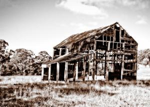 Black & White Barn